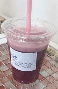 eternal-detoxjuicebar-rawjuice